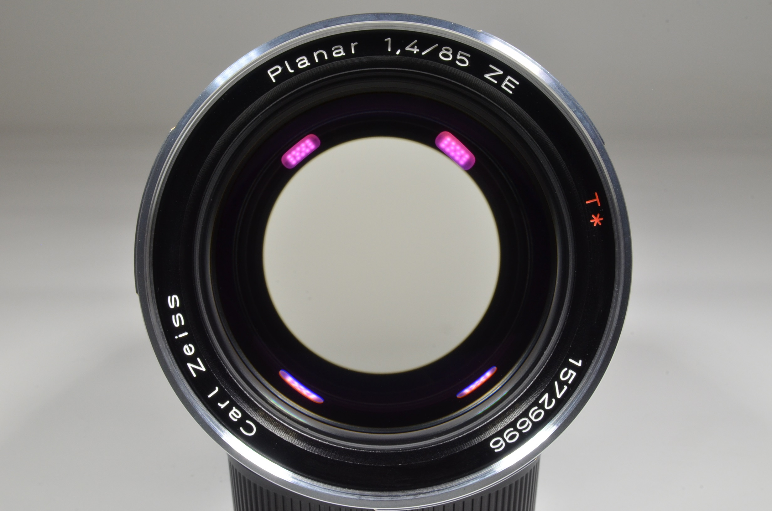 Zeiss 85mm F/1.4 Planar T* ZE